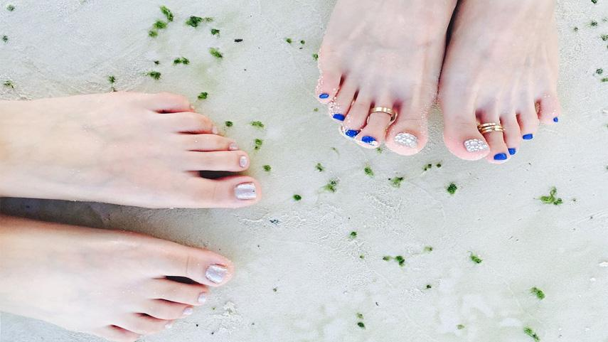 Use false nails to twinkle your toes: False toe nail price line ideas