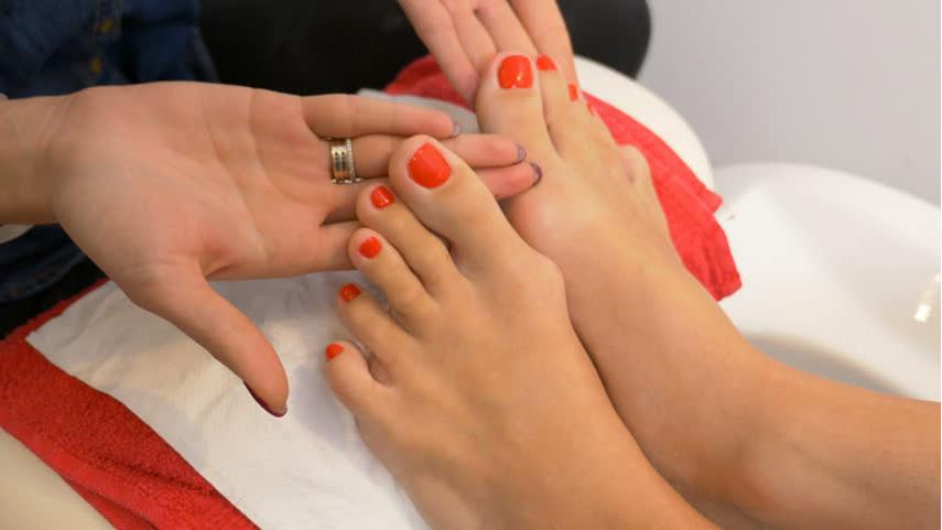 How much is a Polish change at a nail salon?