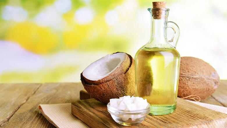 3 Methods for better nail and hand nourishment using coconut oil